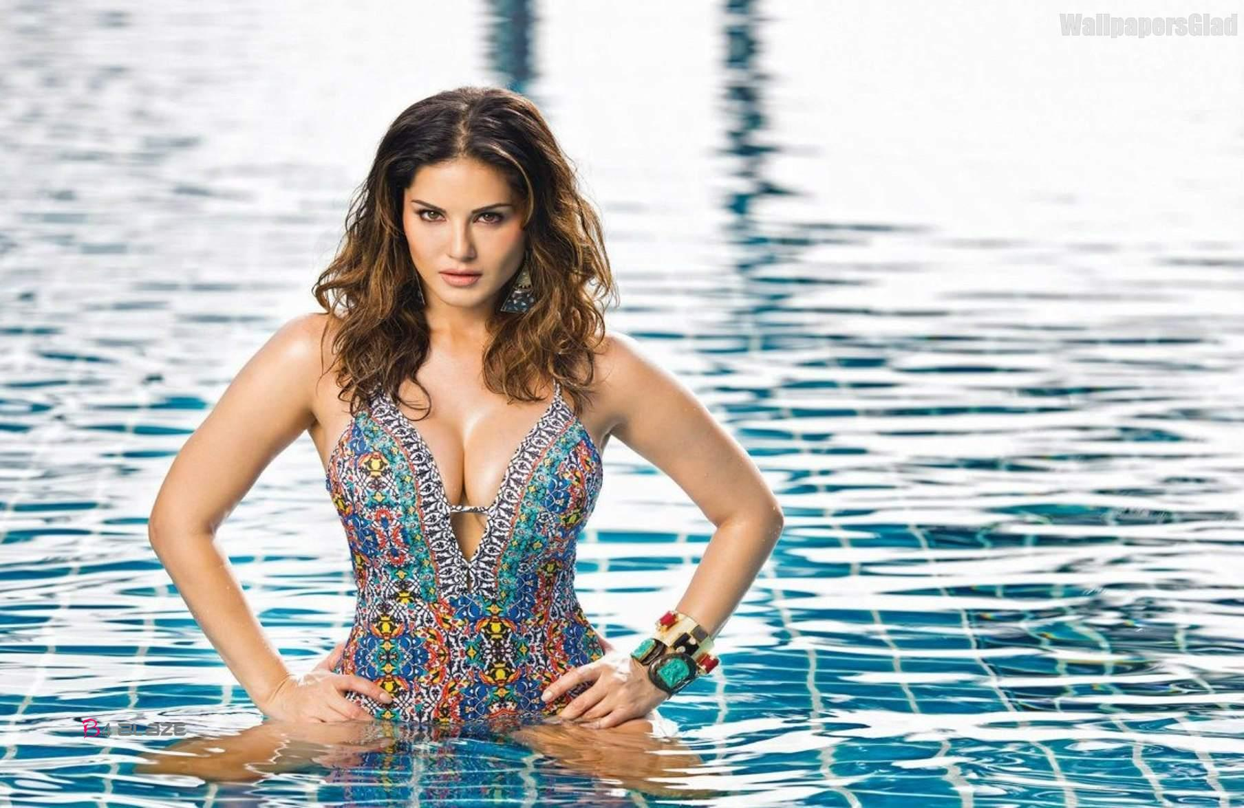 Best-Sunny-Leone-HD-Wallpapers-Download-10