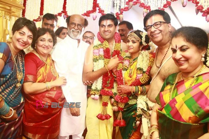 Rajinikanth-attends-the-wedding-reception-of-actor-YG-Mahendra's-son-700x467