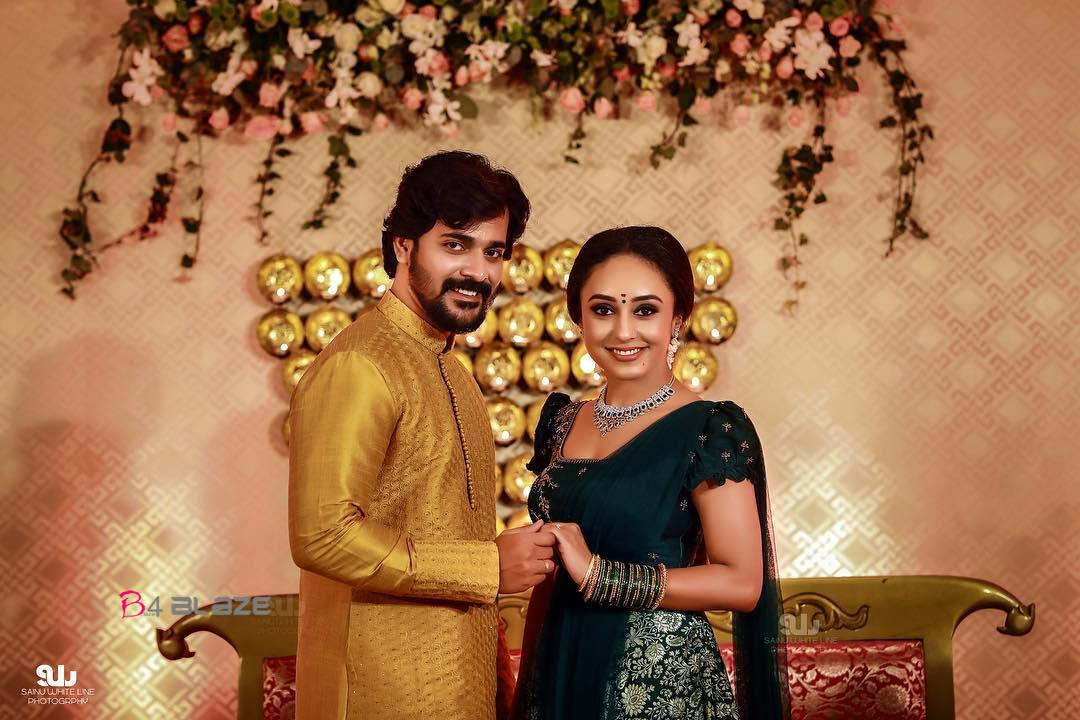 Srinish and Pearle Maany Engagement Photos (5)