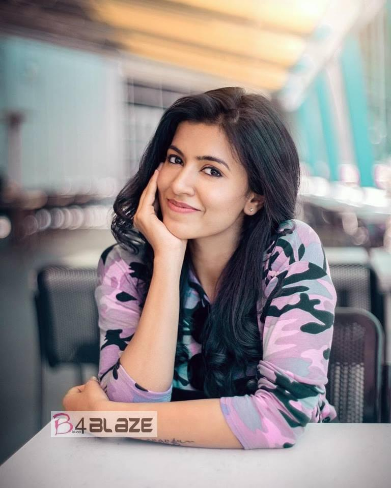 Anju Kurian HD Photos