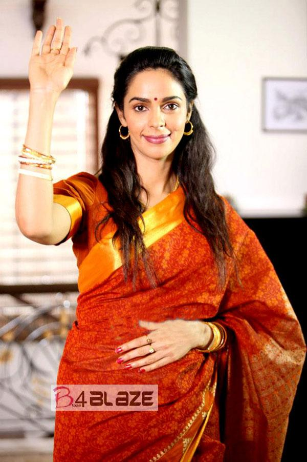 Mallika Sherawat HD Photo