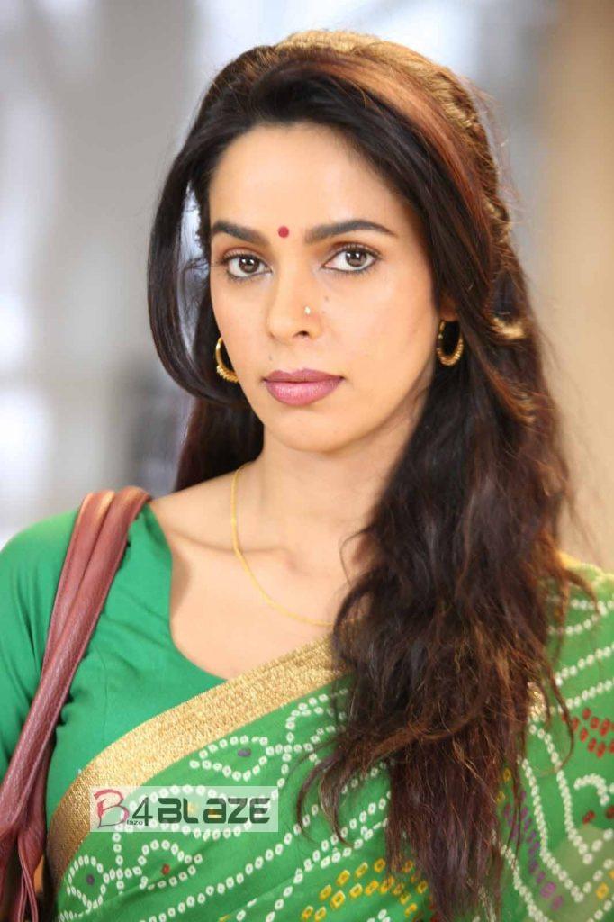 Mallika Sherawat Movie Still