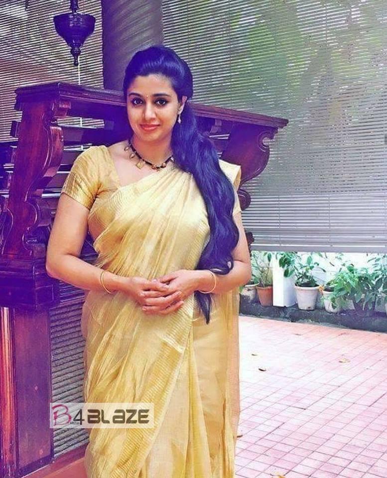 Samyuktha Varma HD Photos (1)
