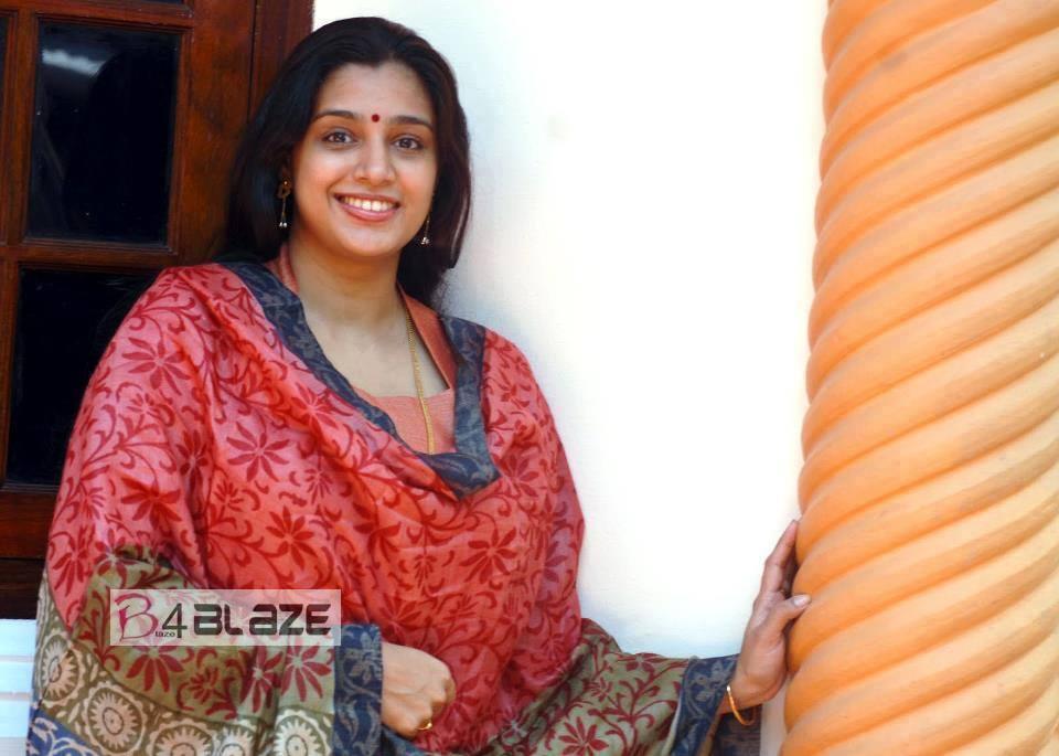 Samyuktha Varma HD Photos (3)