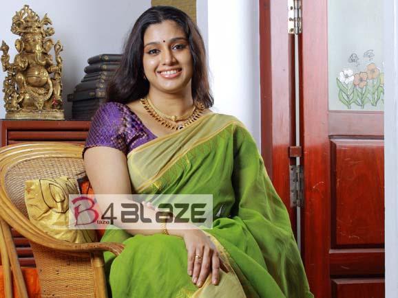 Samyuktha Varma Latest HD Photo