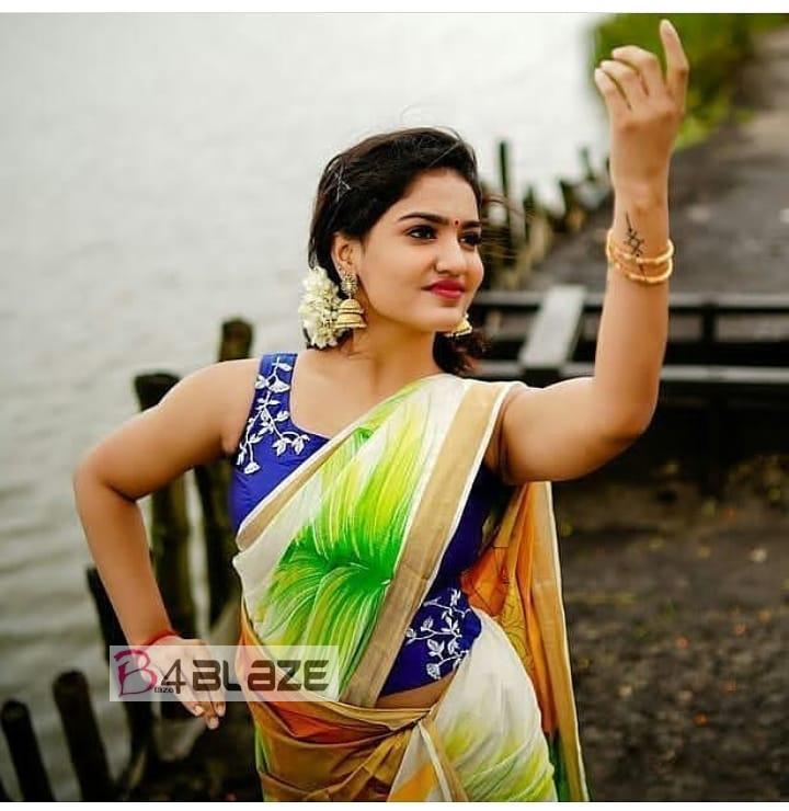 Saniya Iyappan HD Photos
