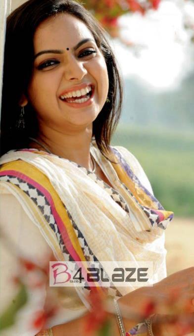 Samvrutha sunil HD Photo