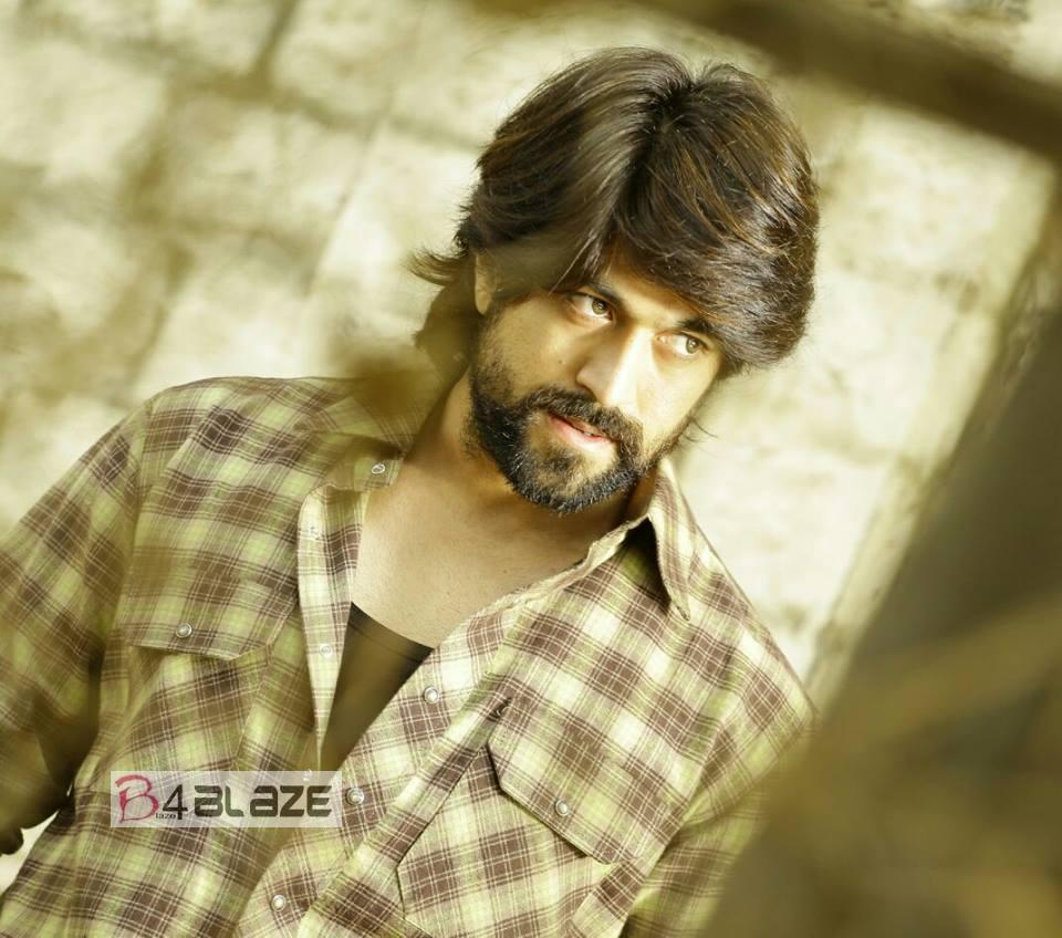 Yash Biography, Age, Height, Weight, Affairs, Family and HD