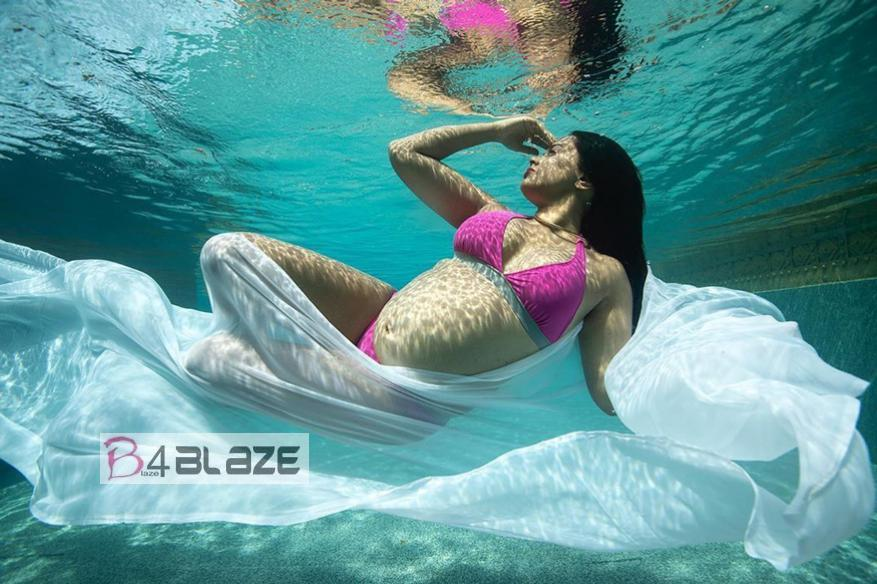 Sameera Reddy under water photography 1