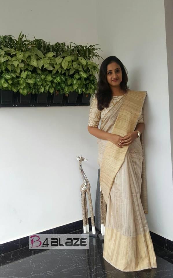 Saritha Jayasurya in white saree