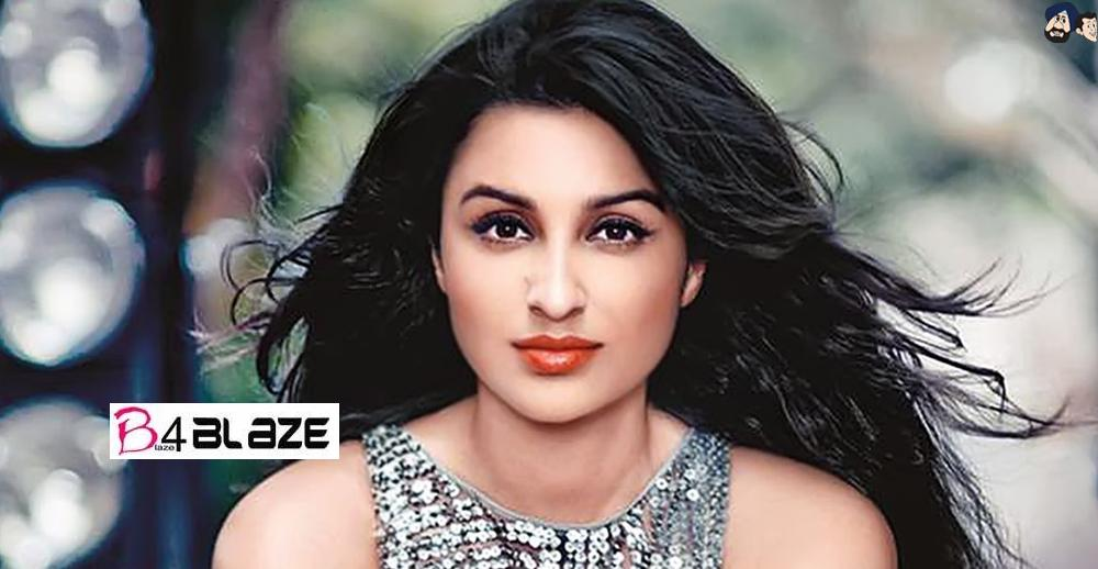 Parineeti Chopra Biography, Age, Photos and Family