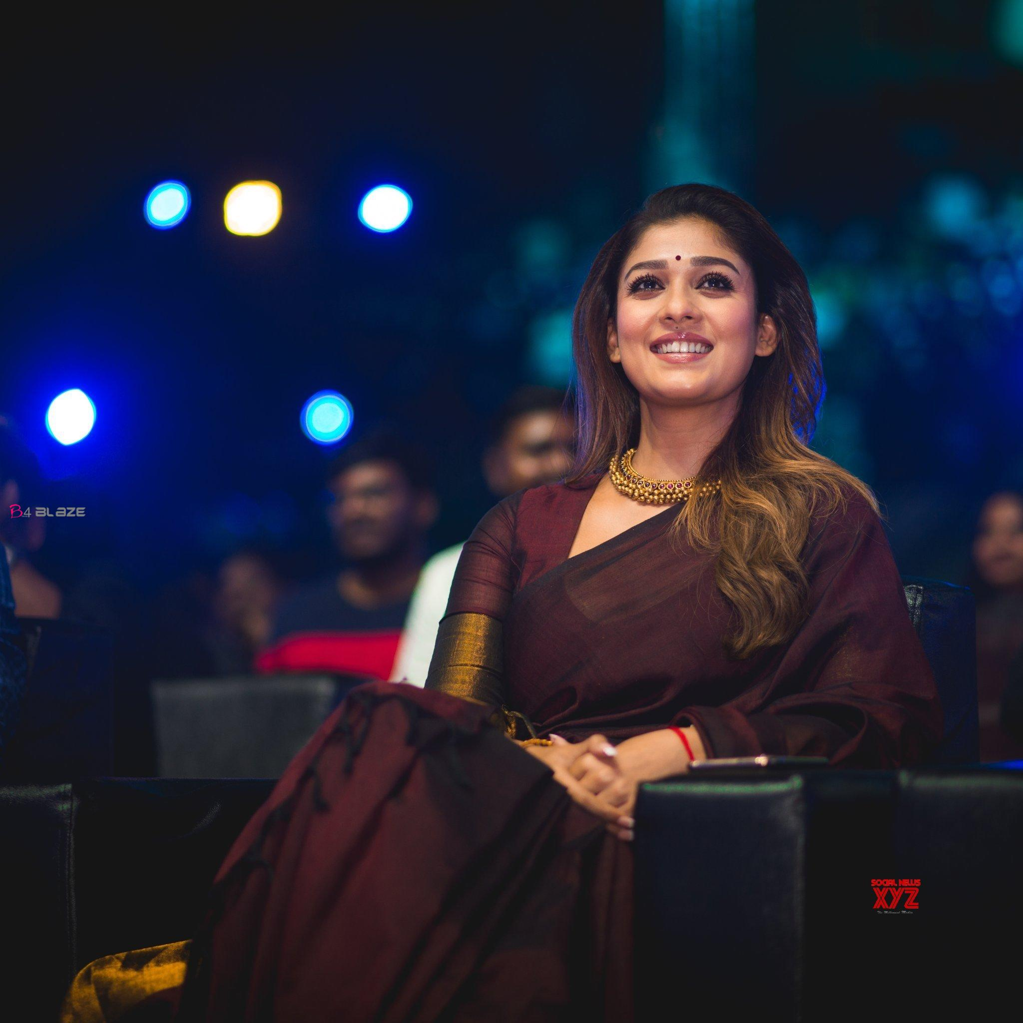 Actress-nayanthara-Gorgeous-new-Stills-from-Zee-Cine-Awards-Tamil-2020-1
