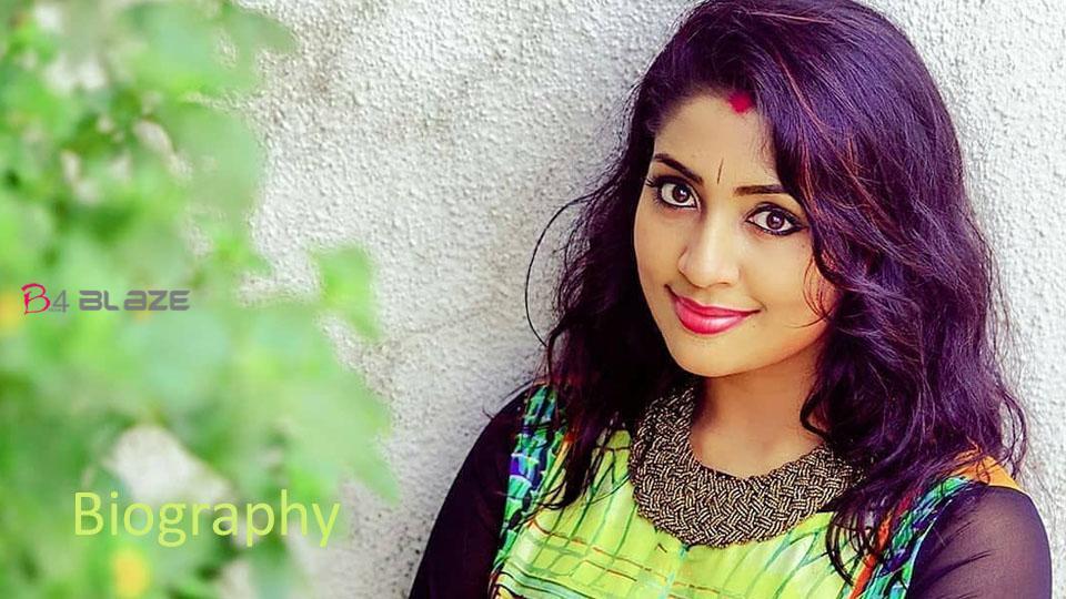 Navya Nair Biography, Age, Photos, and Family