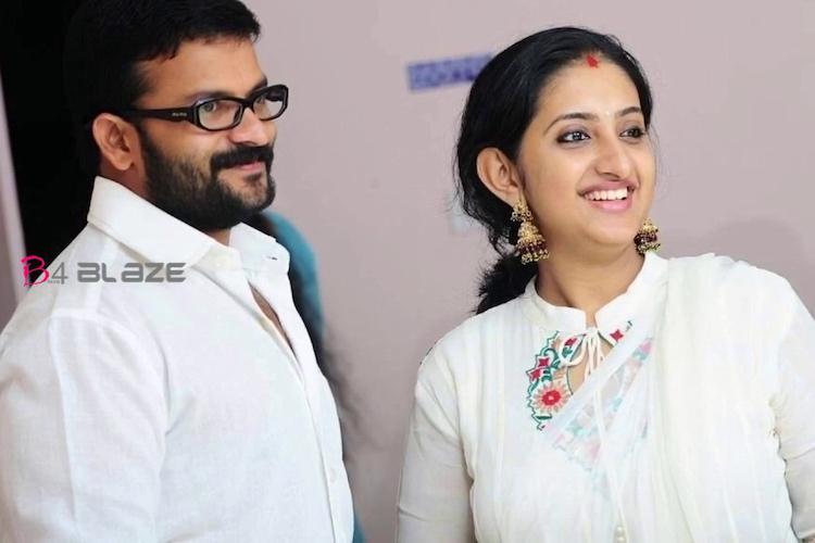 jayasurya-with-wife