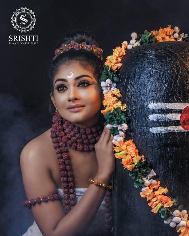 Vinduja Vikraman Navratri special photoshoot 3