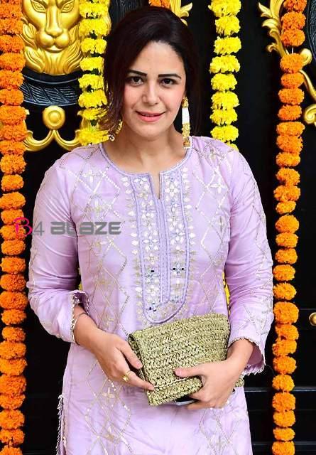 Mona Singh Images