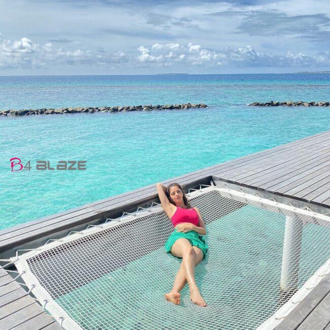 Vedhika in Maldives 3