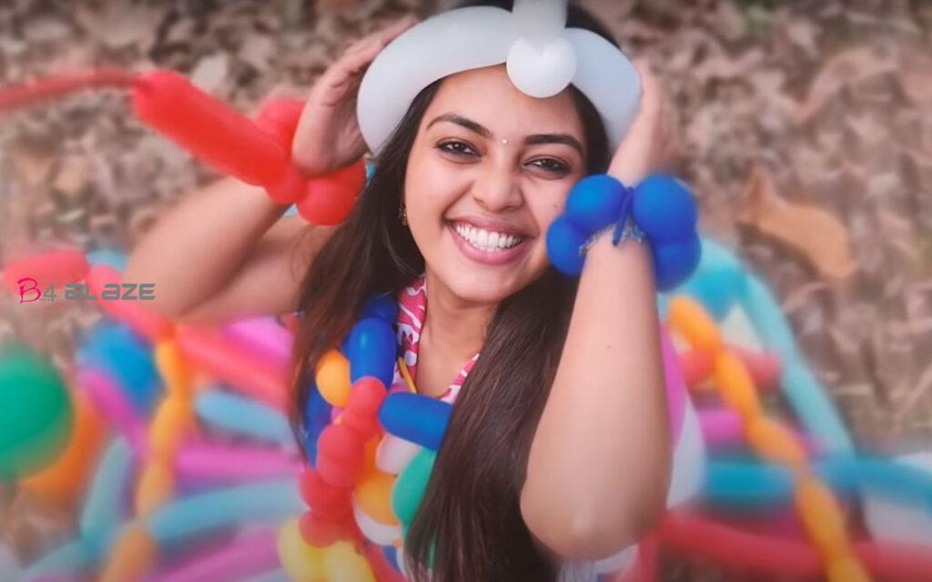 mrithula-baloon-dress